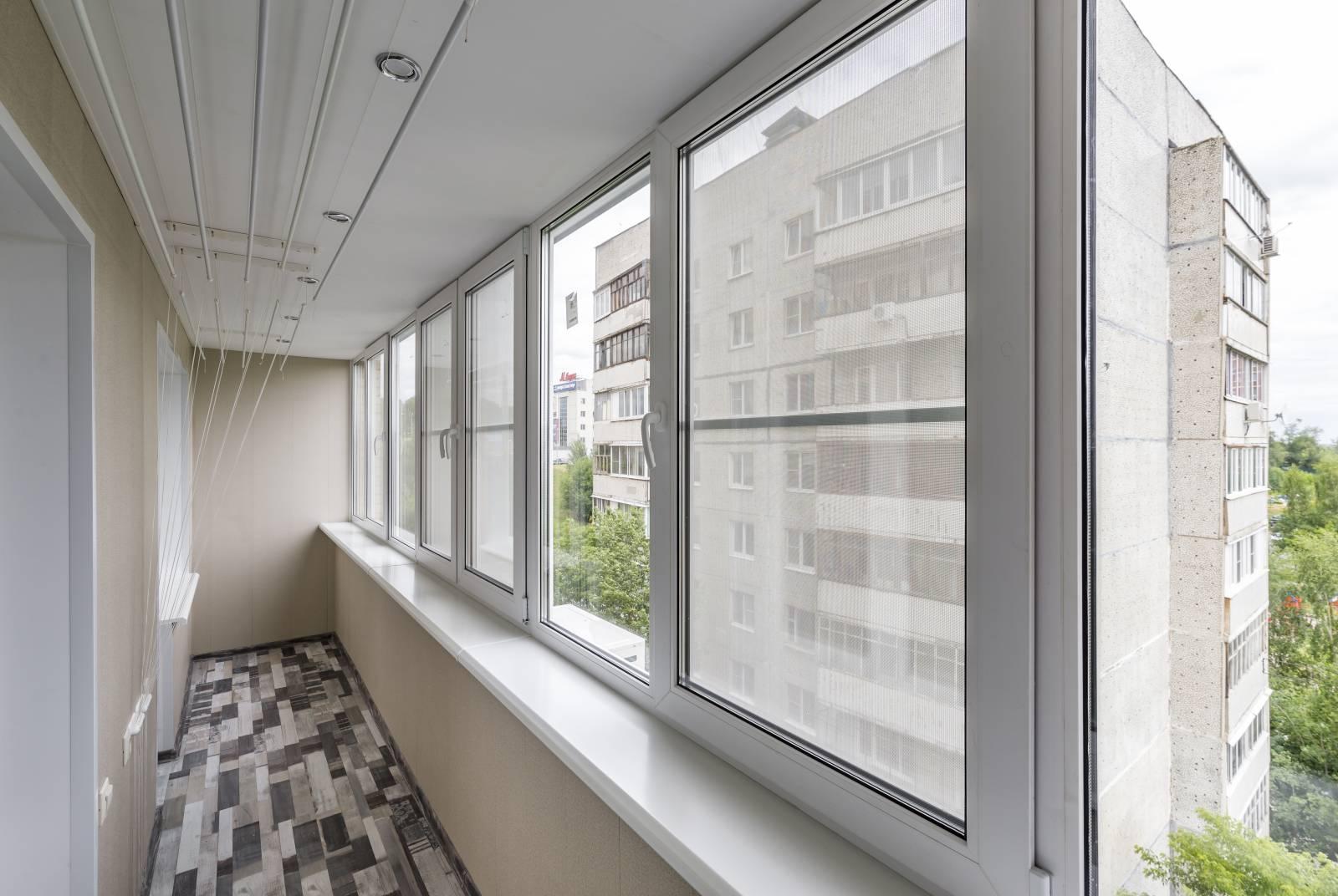 Самый выгодный вариант - выбирать утепление, остекление и отделку балкона «под ключ». Это позволяет сэкономить до 40%!