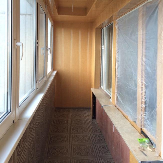 Отделка балкона в процессе