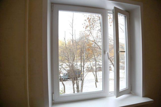 Установили окна в квартире многоэтажного дома